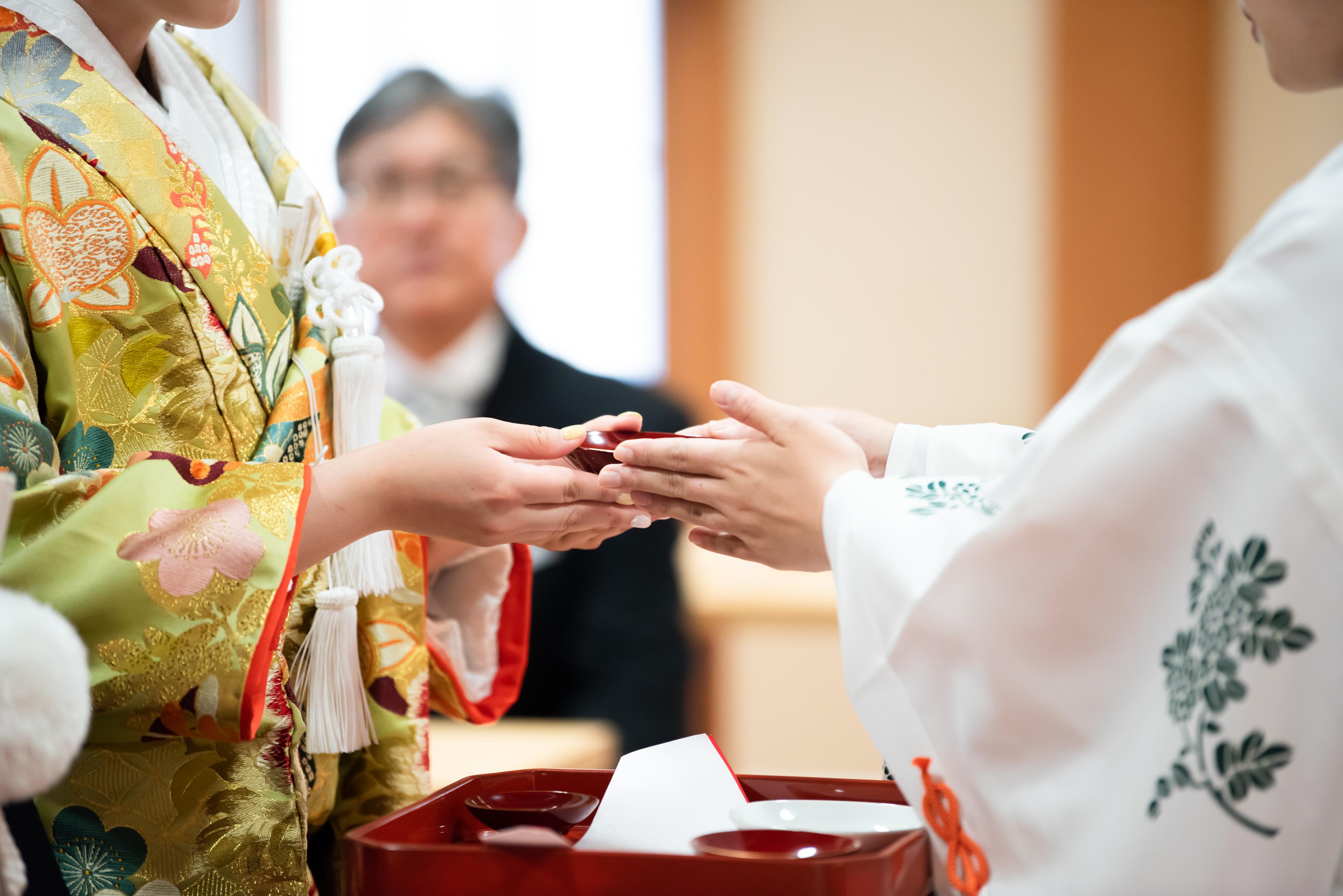 家族の祝福いっぱいの大神神社挙式 写真
